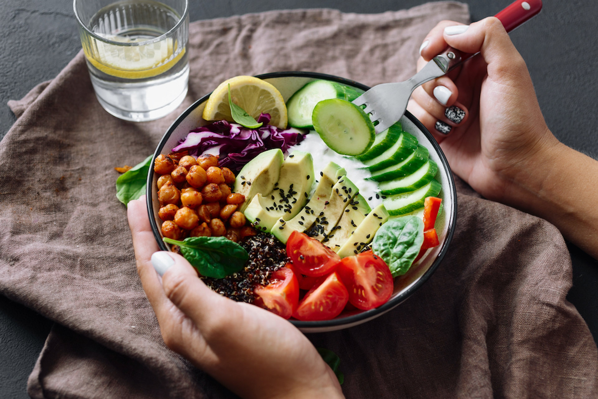 salad healthy lemon water tomatoes sesame cucumbers chickpea spinach